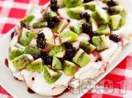 Десерт Павлова с киви